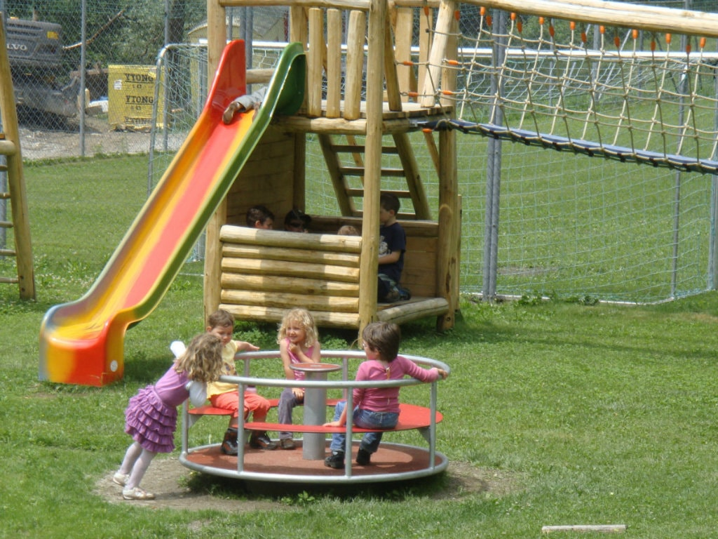 Picnic areas and playgrounds